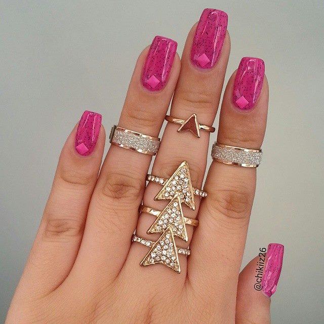 розов кристален маникюр