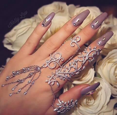 маникюр с диаманти