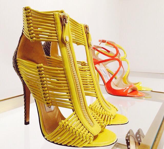 жълти сандали