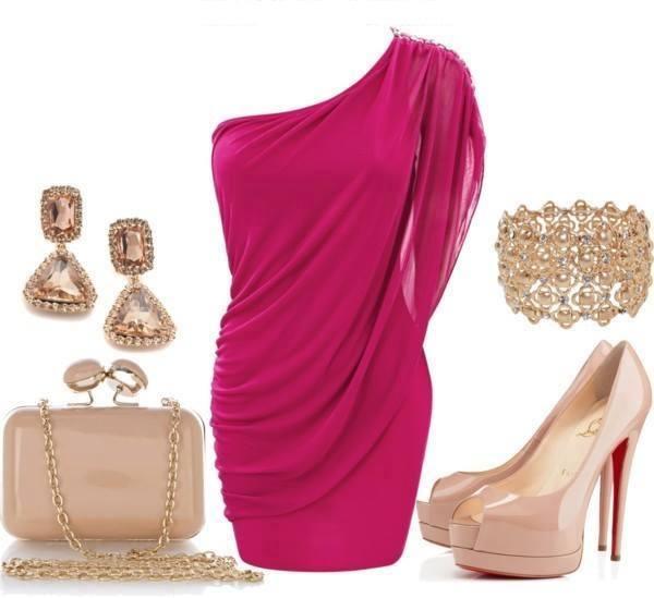 къса рокля в цикламено със златни аксесоари