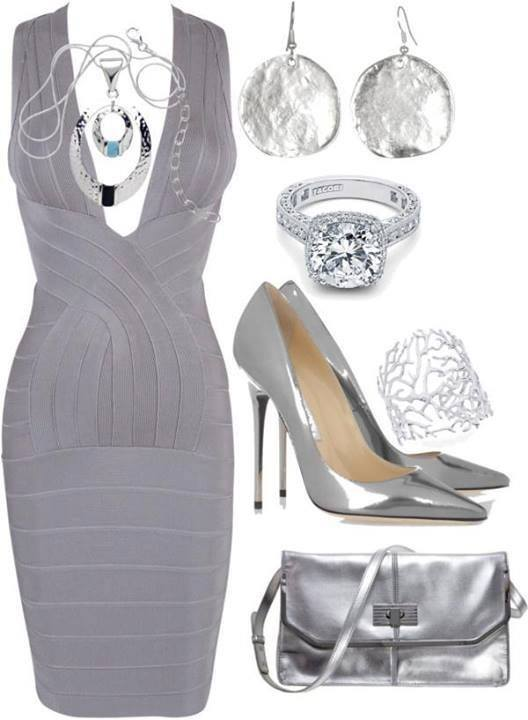 сребриста официална рокля и сребристи аксесоари