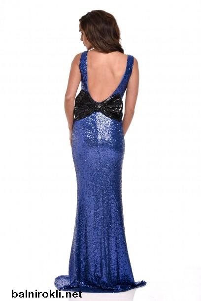бална синя дълга блестяща рокля гол гръб