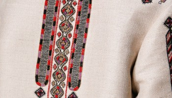 българска бродерия в колекция на Валентино