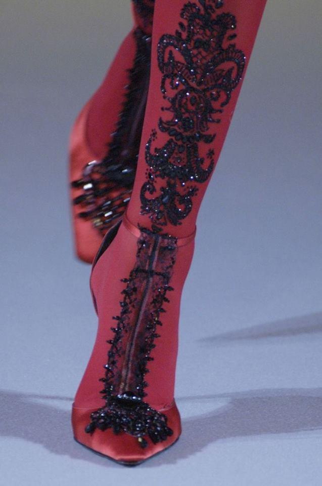 Елегантна Визия в Цвят Бордо