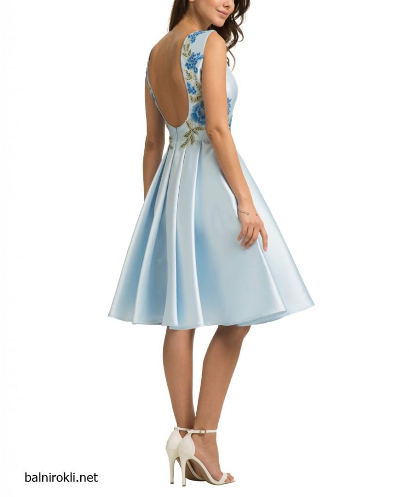 абитуриентска синя рокля сатен гол гръб