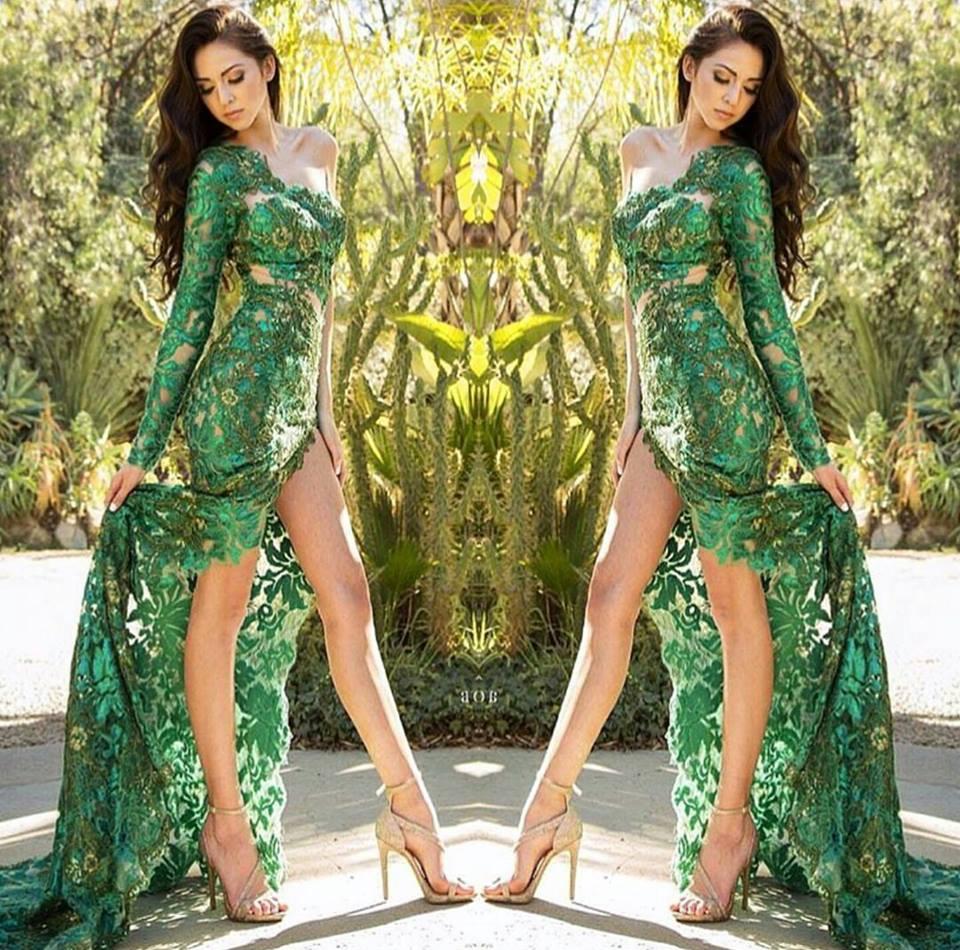 зелена дантелена рокля