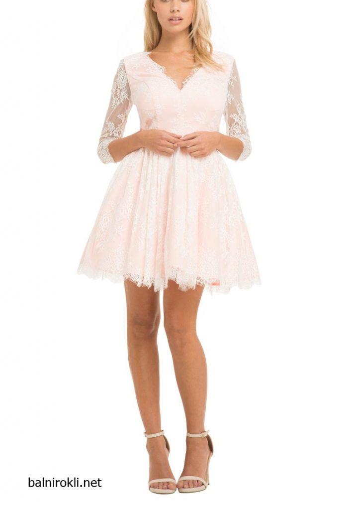 розова къса рокля с бяла дантела