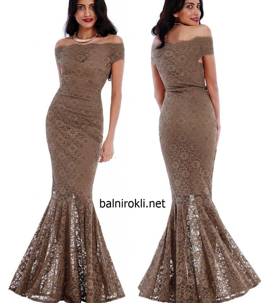 дантелена рокля телесен цвят