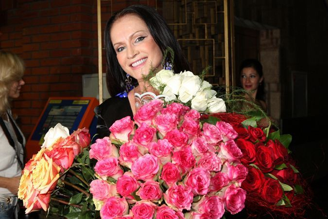 София Михайловна Ротару-68 години