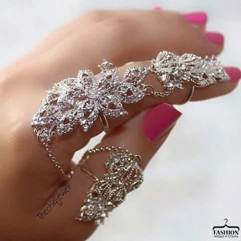 ефектен пръстен