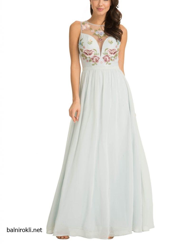 дълга светлосиня рокля флорални бродерии