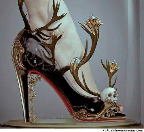 готик обувки с череп