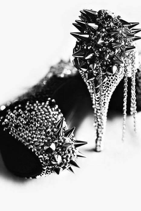 готик обувки