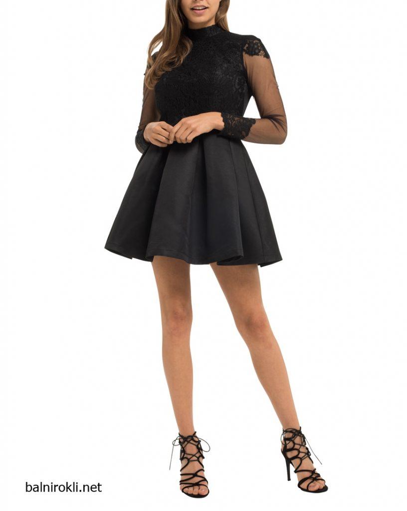 къса официална черна рокличка с гол гръб