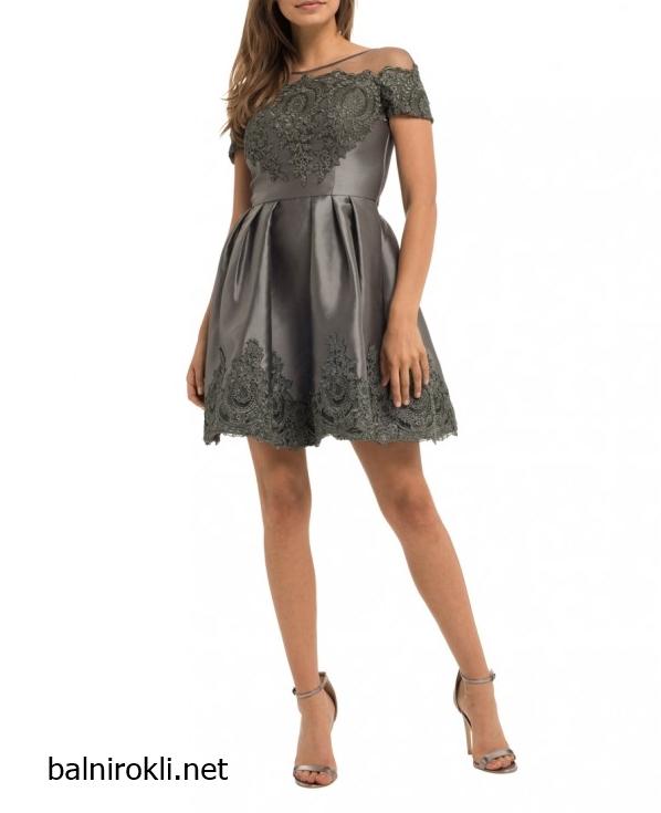 Елегантна къса сребриста рокля