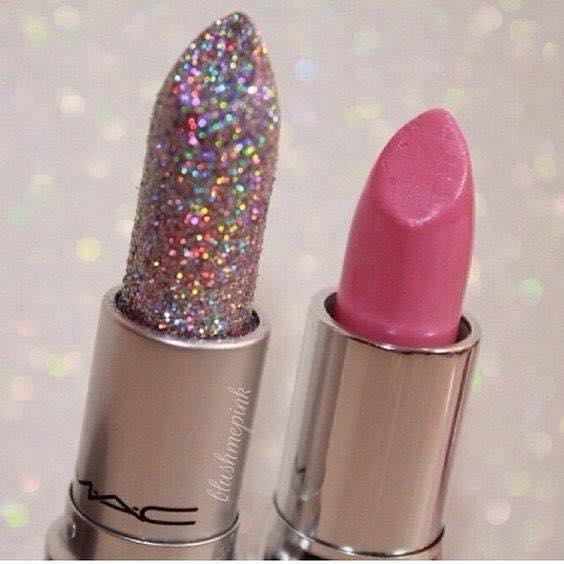 Блестящи Модерни Розови Устни с Брокат