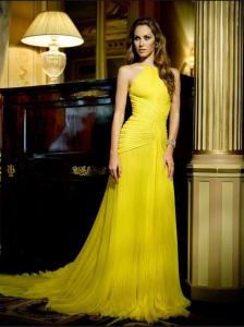 жълта официална рокля