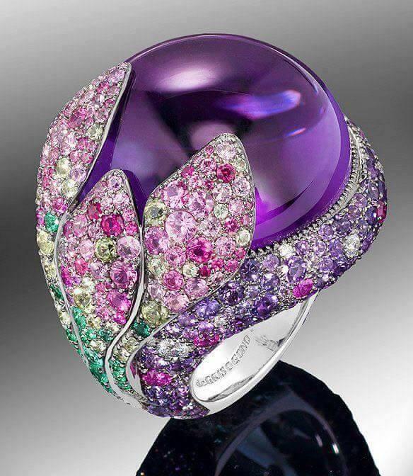 бижутата-придават-завършеност-на тоалета-balnirokli.com-2017-11-пръстен-със-скъпоценни-камъни