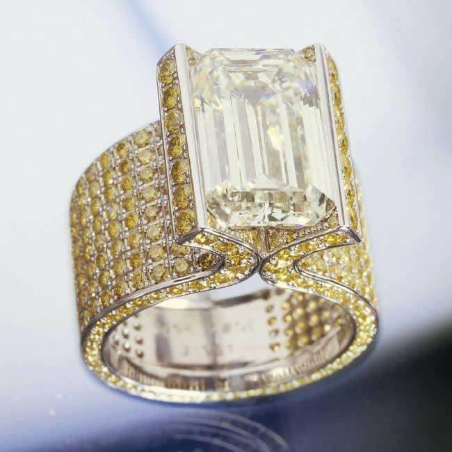 бижутата-придават-завършеност-на тоалета-balnirokli.com-2017-14-пръстен-със-скъпоценни-камъни