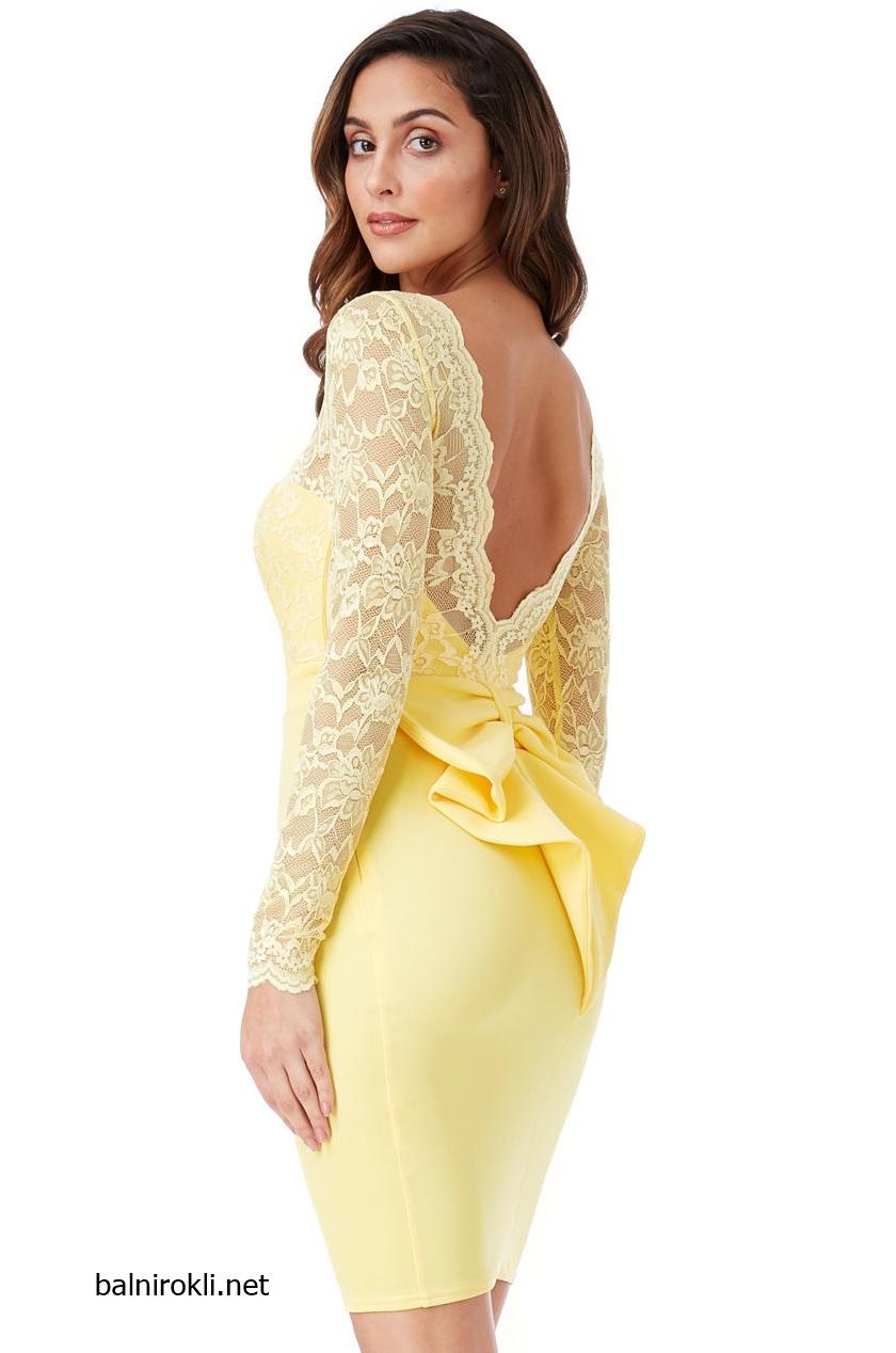 жълта къса рокля гол гръб