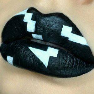 Артистични Устни - Арт Грим