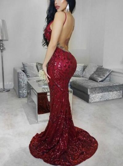 Блестяща дълга червена рокля гол гръб