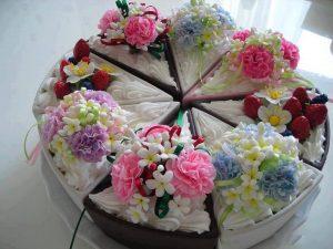 празнична торта с цветя