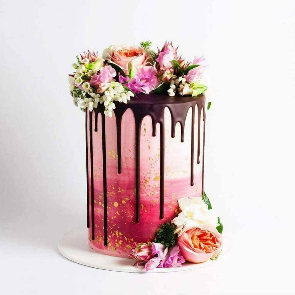 Празнична Розова Шоколадова Торта