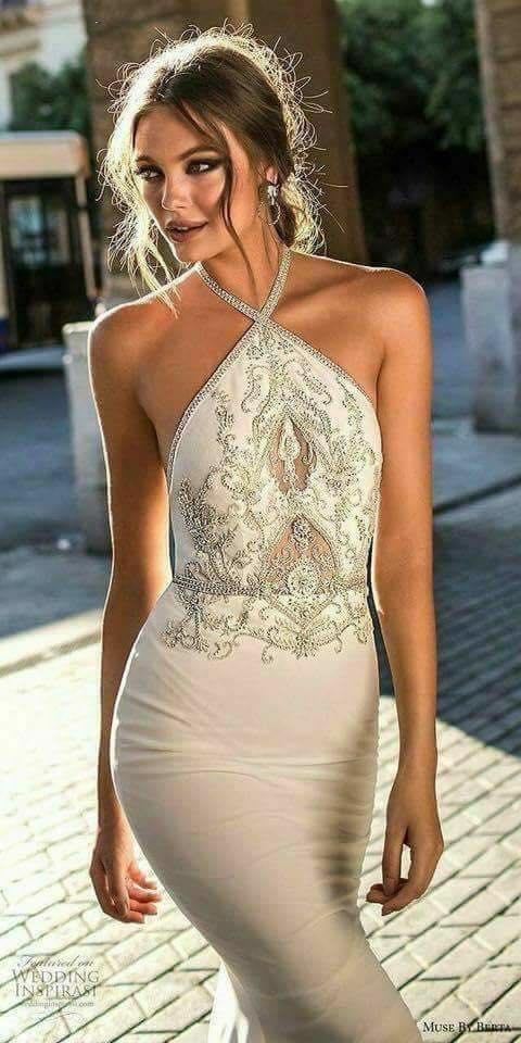 Дълга рокля за бал ПРАВА