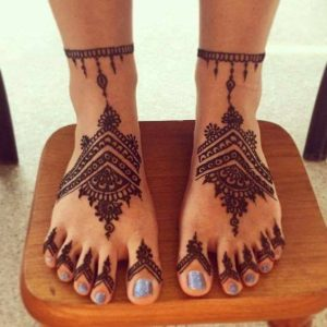 татуировка на крак с къна