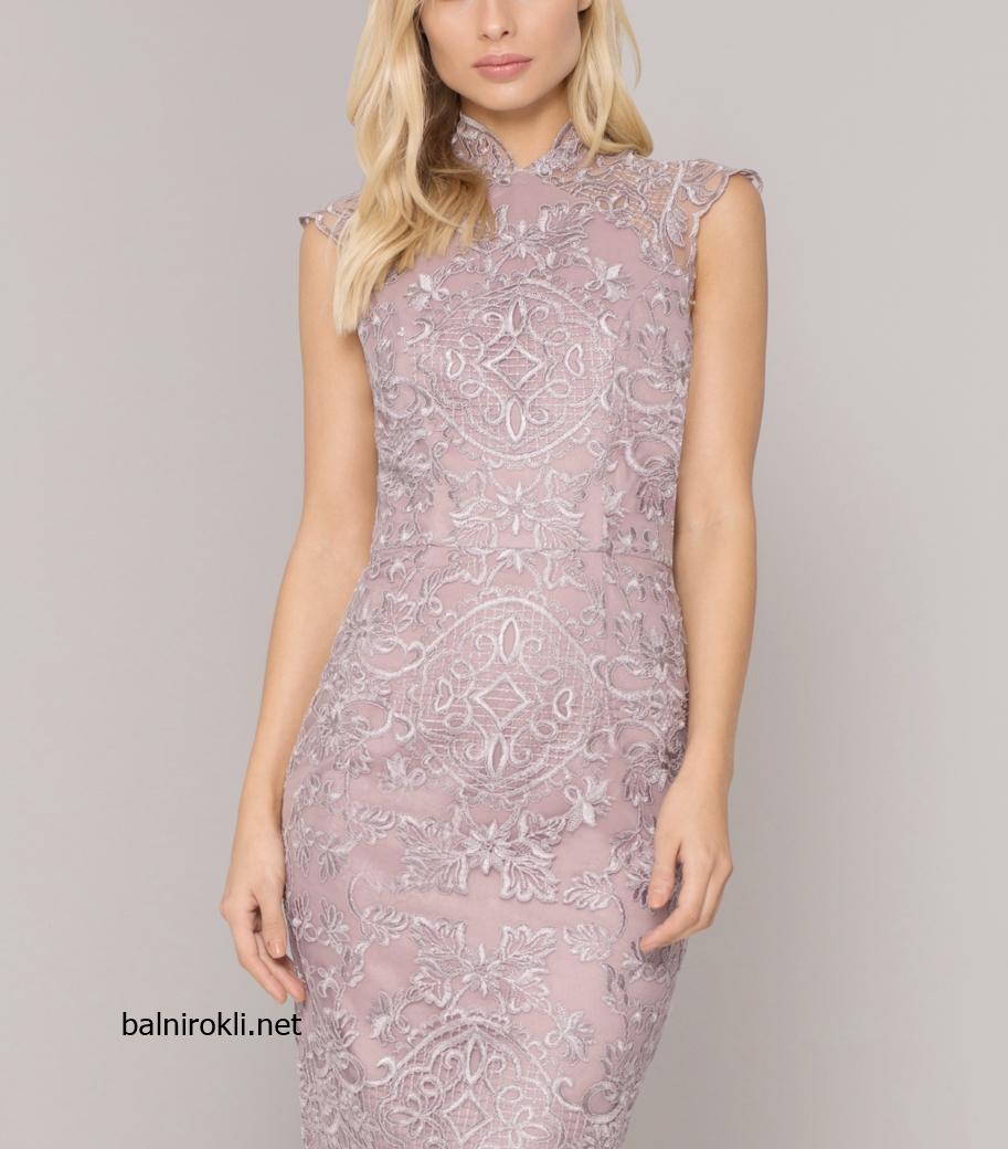 Дантелена права официална рокля в люляков цвят