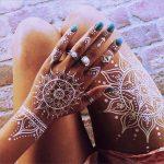 Идеи за Татуировки на Ръцете с Бяла Къна