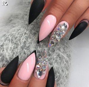 Черен Маникюр с Розово и Кристали