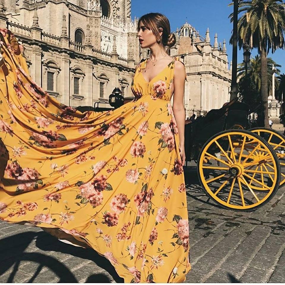 жълта лятна вечерна рокля на цветя