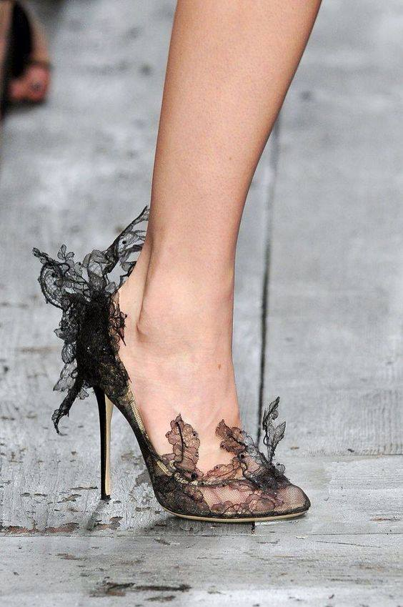 официални обувки токчета и дантела