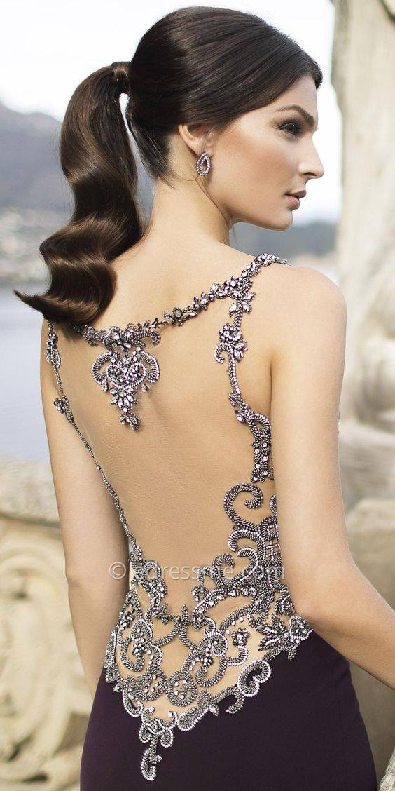 Бална Рокля с Гол гръб-блестящи камъни
