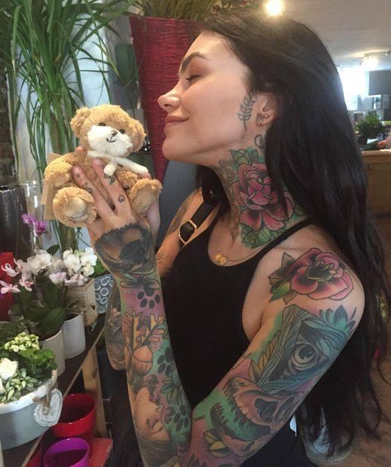 дамска татуировка на цялата ръка