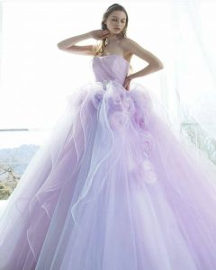 Бална рокля в пастелен цвят