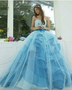 Дълга бална рокля в нежен син цвят