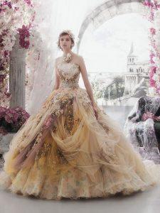дълга бална рокля цвят шампанско с флорални декорации