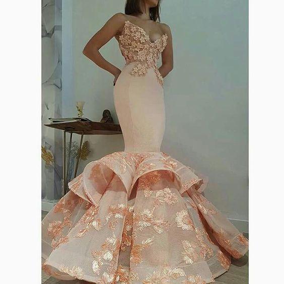 дълга розова рокля за бал