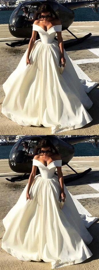 дълга бяла бална рокля сатен