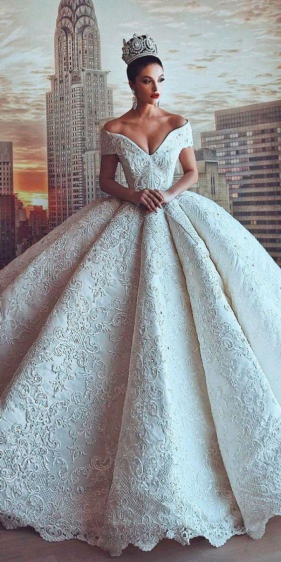 бяла бална рокля дантела