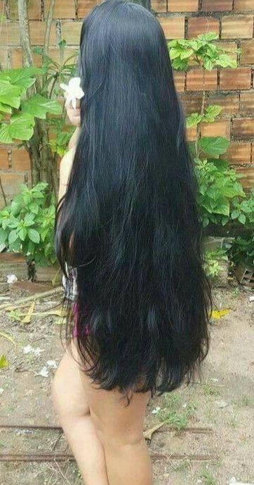 дълга коса под кръста