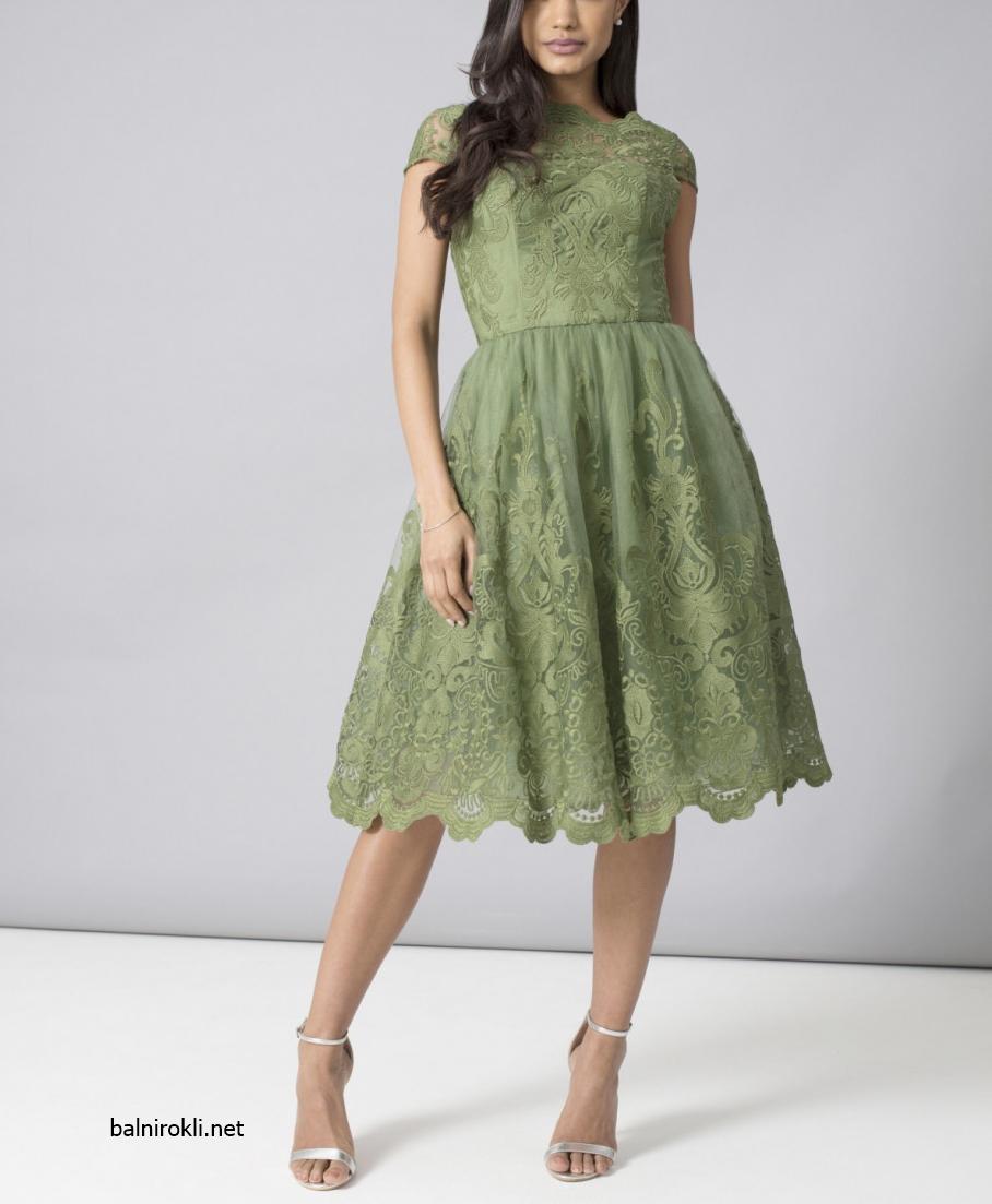 елегантна къса зелена рокля дантела