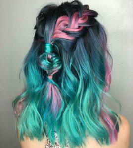 зелена коса със сини киичури