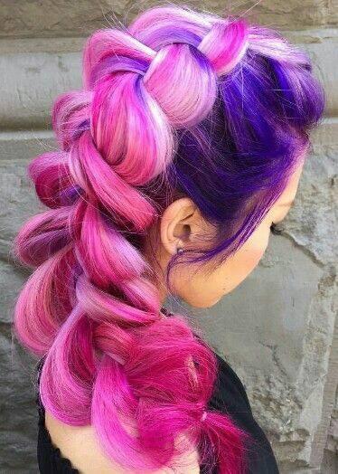 цветна прическа лилави и розови кичури