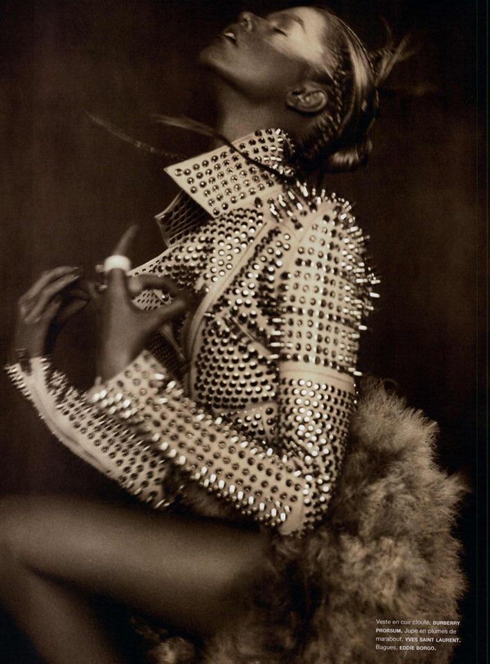 Модерно късо кожено яке с декорации
