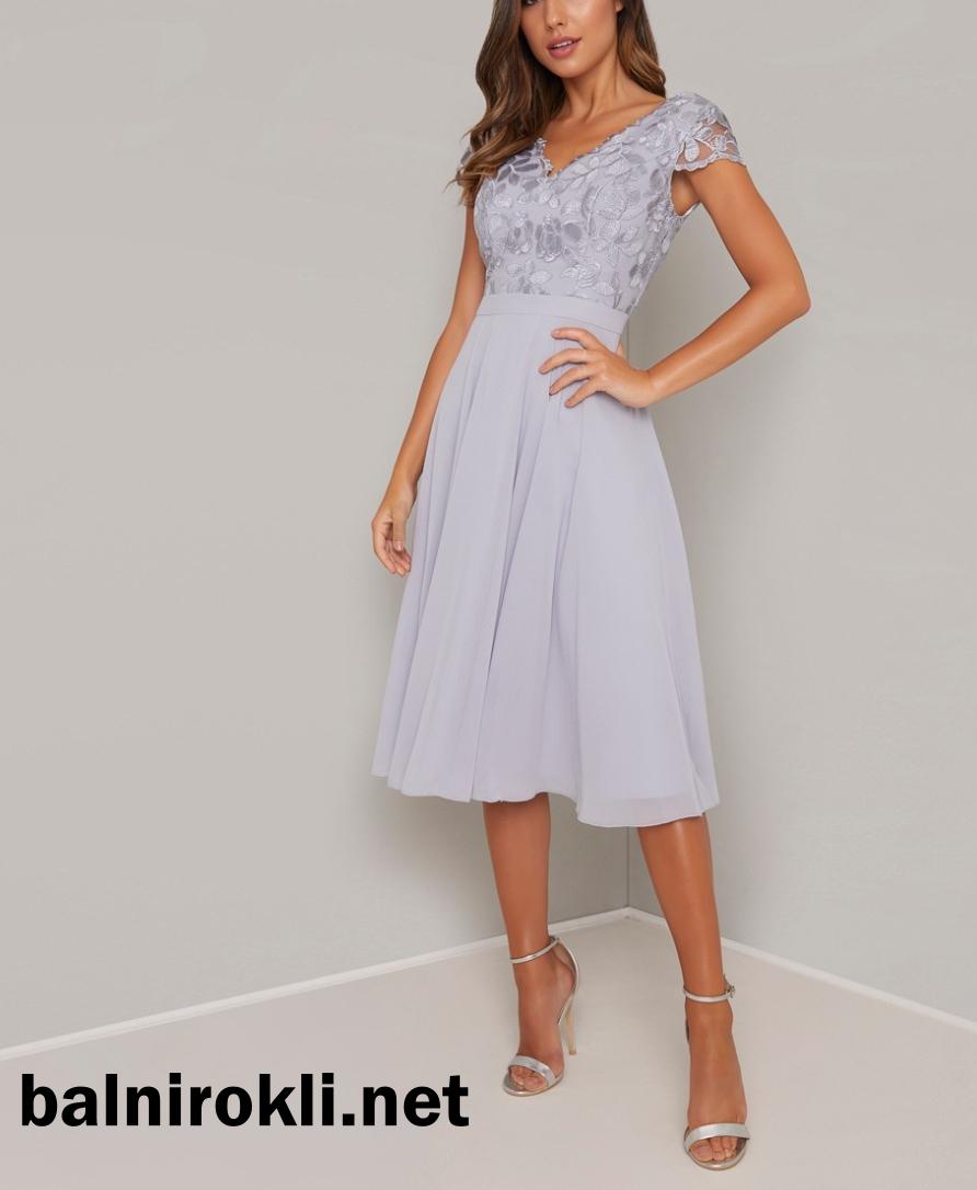 елегантна коктейлна рокля средна дължина светлосиня с бродерия