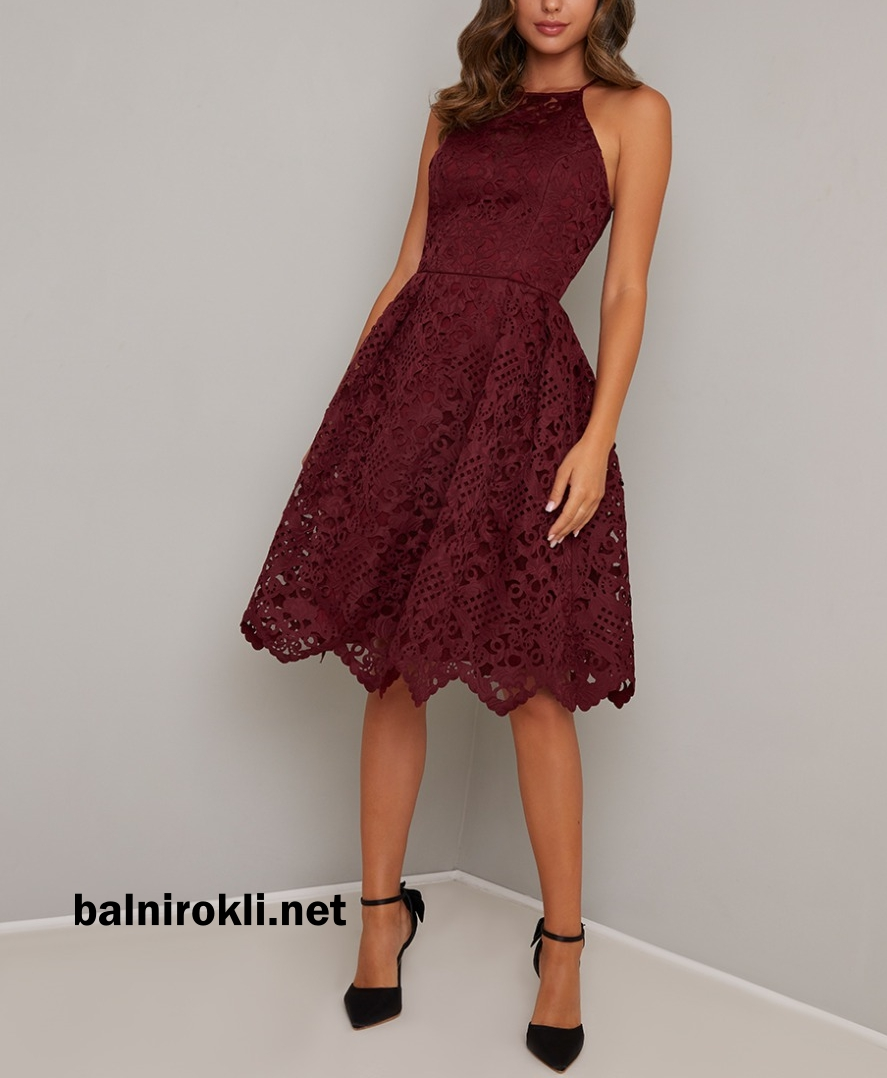 дантелена коктейлна тъмночервена рокля